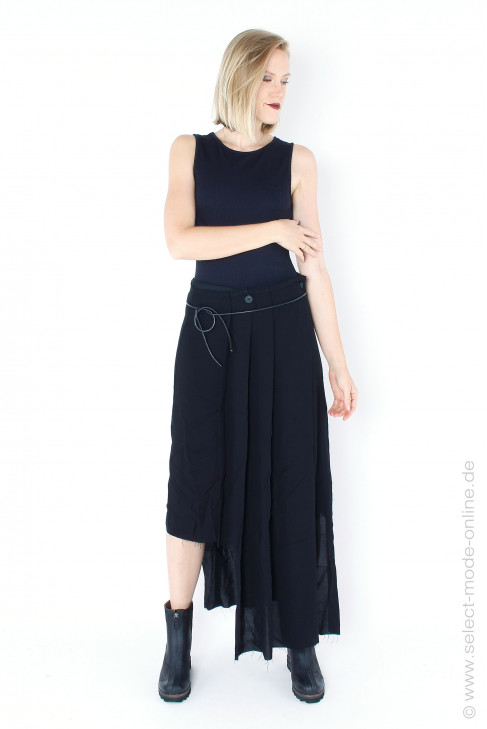 Exceptional skirt