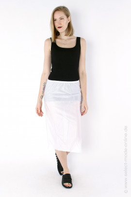 Underneath skirt - white