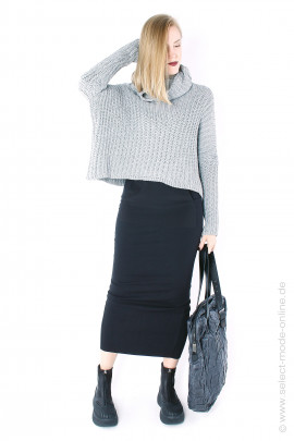 Narrow skirt with pocket - black
