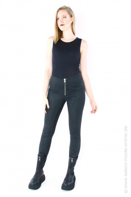 Narrow stretch pants - black